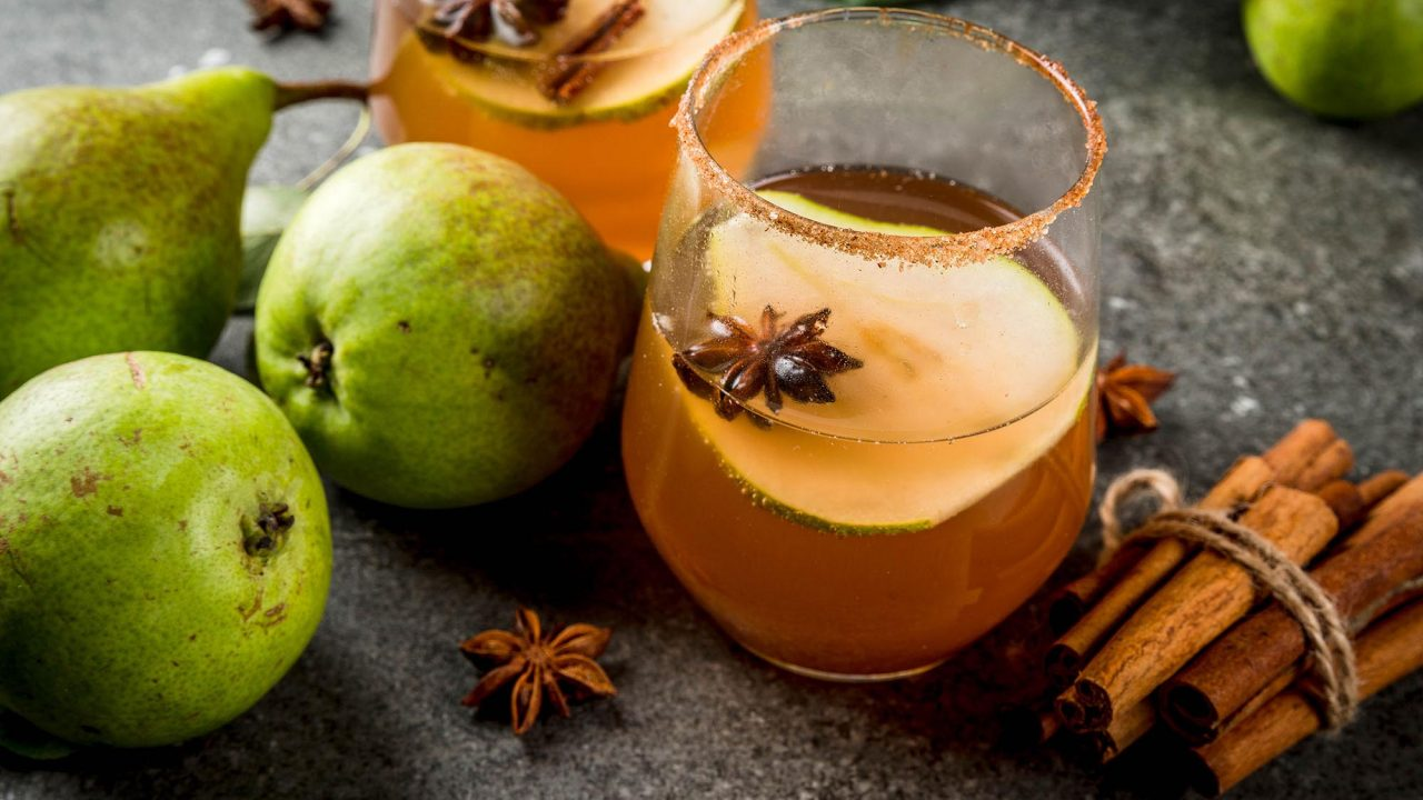Spiced Pear Mulled Wine