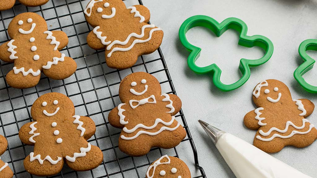Bake Those Cookies, Pop Those Corks! - Gingerbread men
