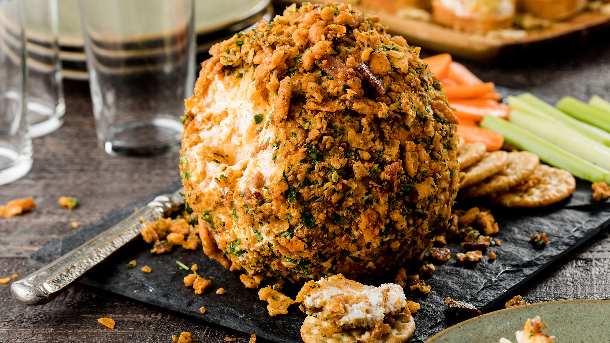 Crispy Bacon Cheddar Cheese Ball